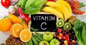 Cách chăm sóc da mặt bị nám tàn nhang bằng việc cung cấp vitamin C