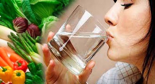 Chế độ ăn uống cũng đóng vai trò quan trọng trong quá trình chữa nám da sau sinh và lấy lại vóc dán