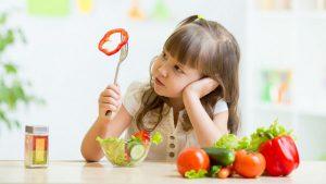 Có nhiều nguyên nhân khiến trẻ ăn không ngon miệng như cho trẻ ăn chưa đúng cách, trẻ bị rối loạn tiêu hóa...
