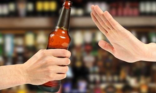 Từ bỏ đồ uống có cồn, thuốc lá nếu muốn chăm sóc da mặt chống lão hóa