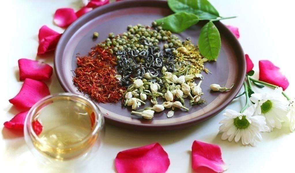 Trà thảo mộc hương vị dễ chịu giúp giảm cân và giảm chất béo