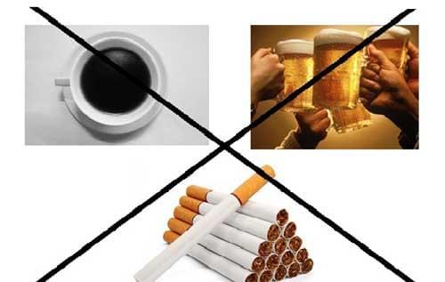 Rượu bia chính là vật cản đường nguy hiểm và khó loại bỏ nhất trên chặng đường giảm cân của nam giới