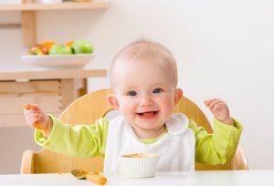 Bé 8 tháng tuổi ăn bao nhiêu là đủ